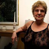 Afspraakje maken met 65-jarige oma uit